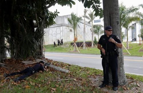 枪击案发生后,警方在机场周边警戒。(图片来源:路透社)