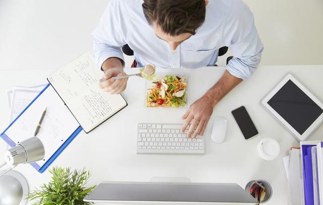 喜欢吃烫食更易患胃癌 高危人群如何预防